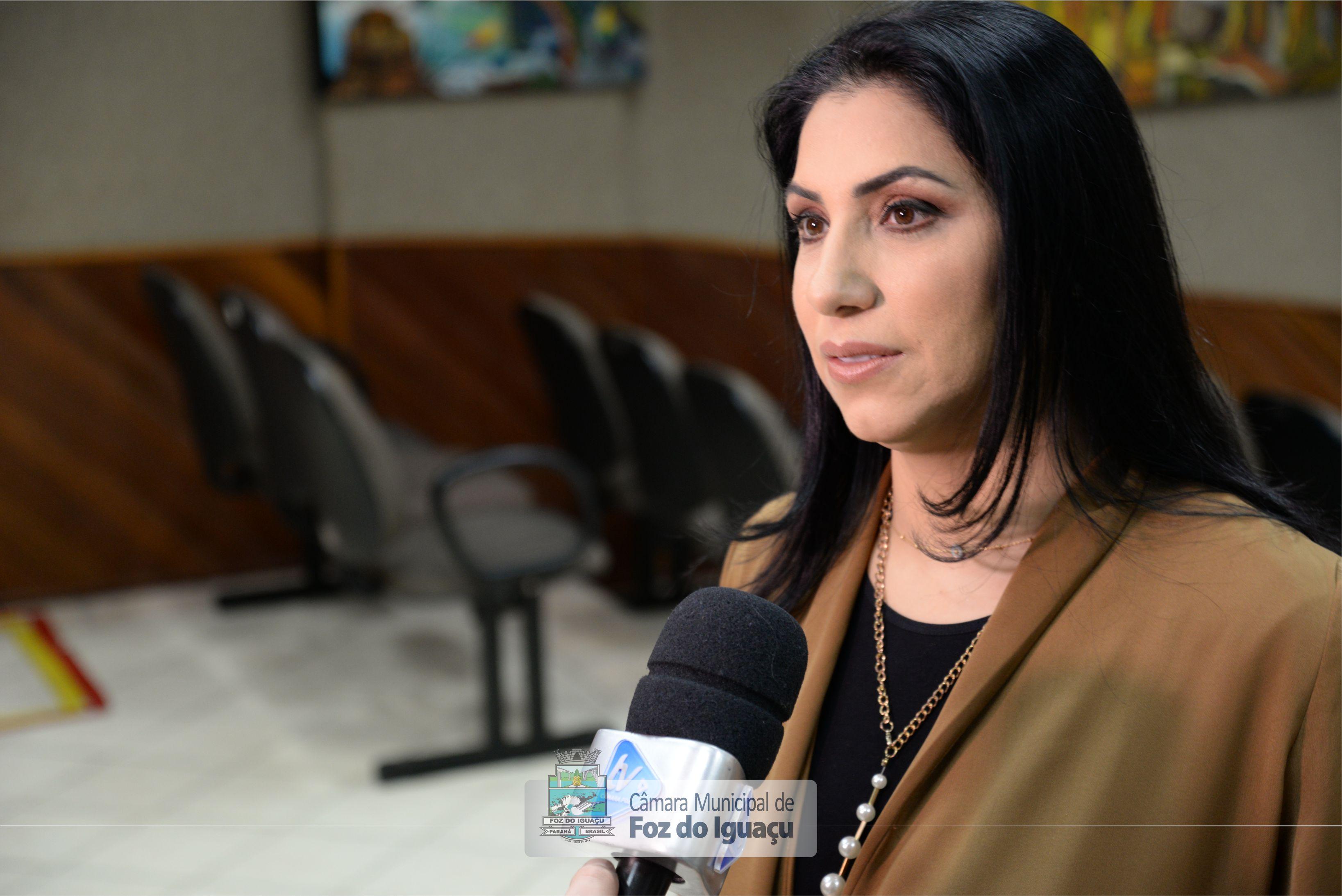vereadora-anice-gazzaoui-cmfi-entrevista01.jpg — Câmara Municipal de Foz do  Iguaçu - PR