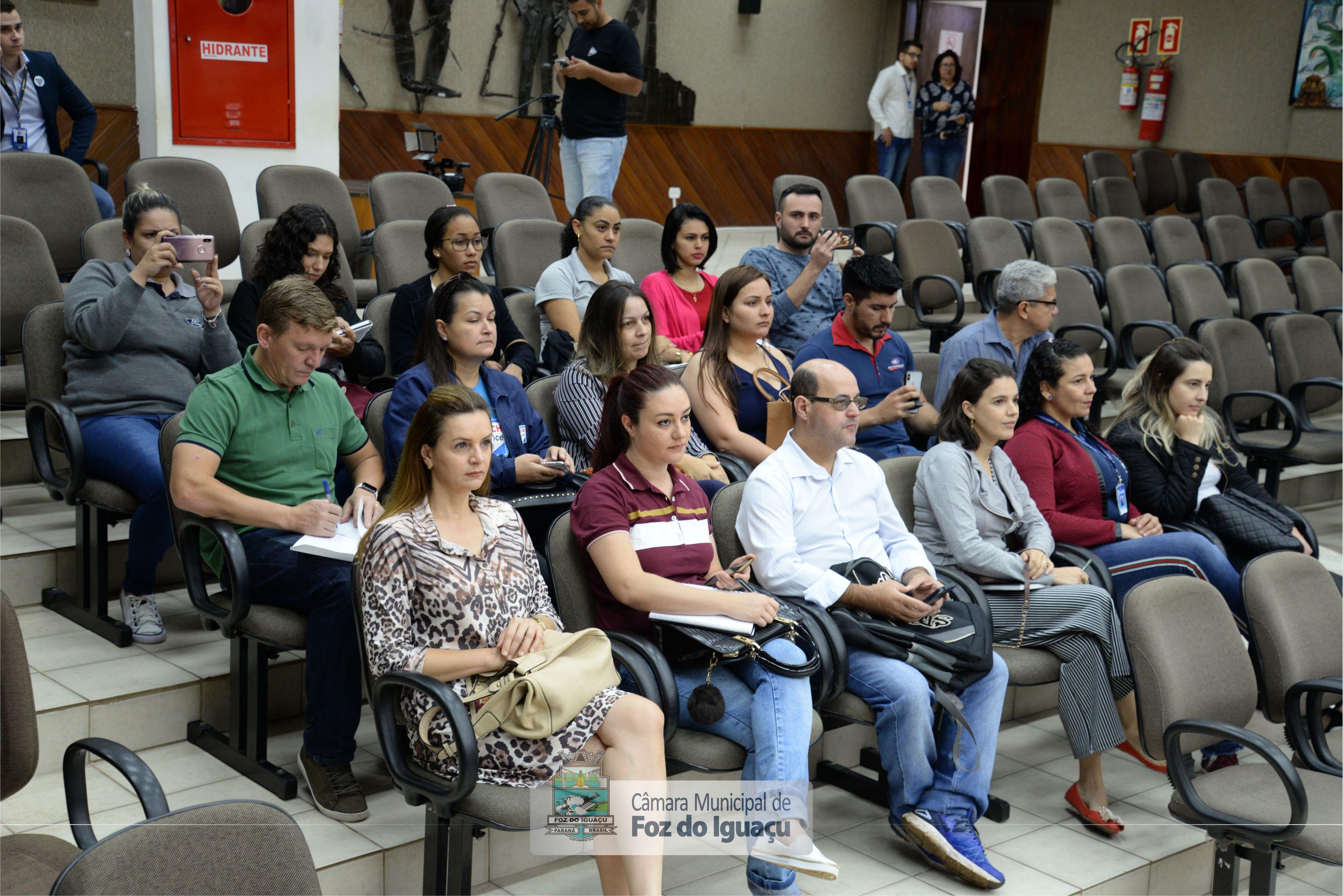 Alunos do curso técnico em Administração do Instituto Federal do Paraná visitam a Câmara Municipal de Foz do Iguaçu - 08-08 (04)