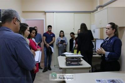 Alunos do curso técnico em Administração do Instituto Federal do Paraná visitam a Câmara Municipal de Foz do Iguaçu - 08-08 (07)