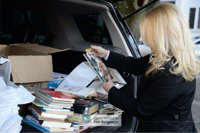 Doação de livros a Biblioteca Municipal - 04-07 (02)
