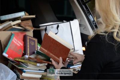 Doação de livros a Biblioteca Municipal - 04-07 (05)