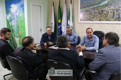 Prefeito de Pacajá (PA) visita a Câmara Municipal de Foz do Iguaçu