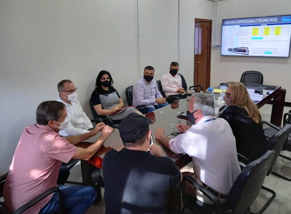 Comissão da Câmara se reúne com Executivo e inicia tratativas para resolução do transporte coletivo em Foz