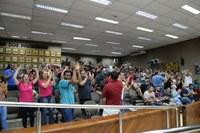 Em clima de comemoração da classe, projeto dos aplicativos é aprovado pelos vereadores