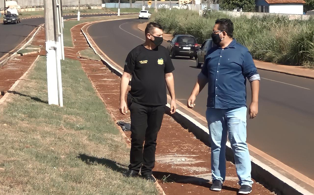 João Morales e Cabo Cassol solicitam informações sobre as obras de ciclovia da Av.  Andradina