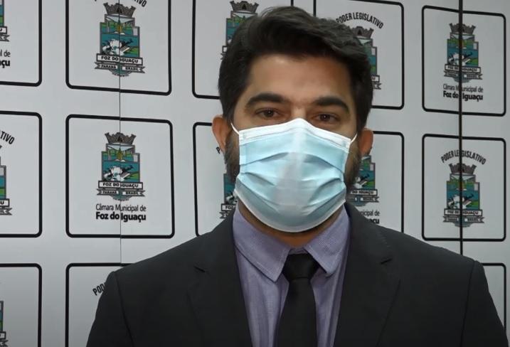 Vereador Adnan indica implantação de um programa de mutirão de poda de árvores