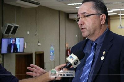 Vereador Celino reforça necessidades de cuidados e normas para reabertura gradual do comércio