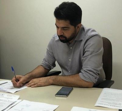 Vereador de Foz indica à prefeitura compra direta de vacinas contra a Covid-19