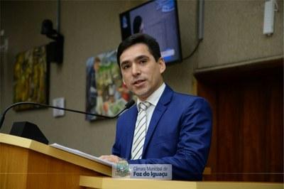 Vereador reapresenta projeto para ampliar transparência nas licitações da Prefeitura