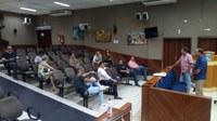Vereadores debatem com o prefeito proposta de reabertura gradual e controlada do comércio